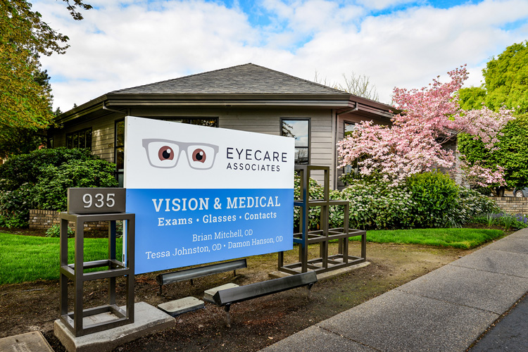EyeCare Associates Sign
